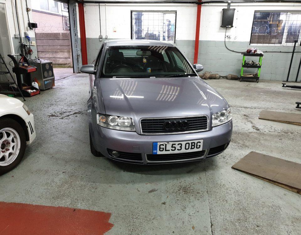 Audi A4-1.8 SE S.LINE