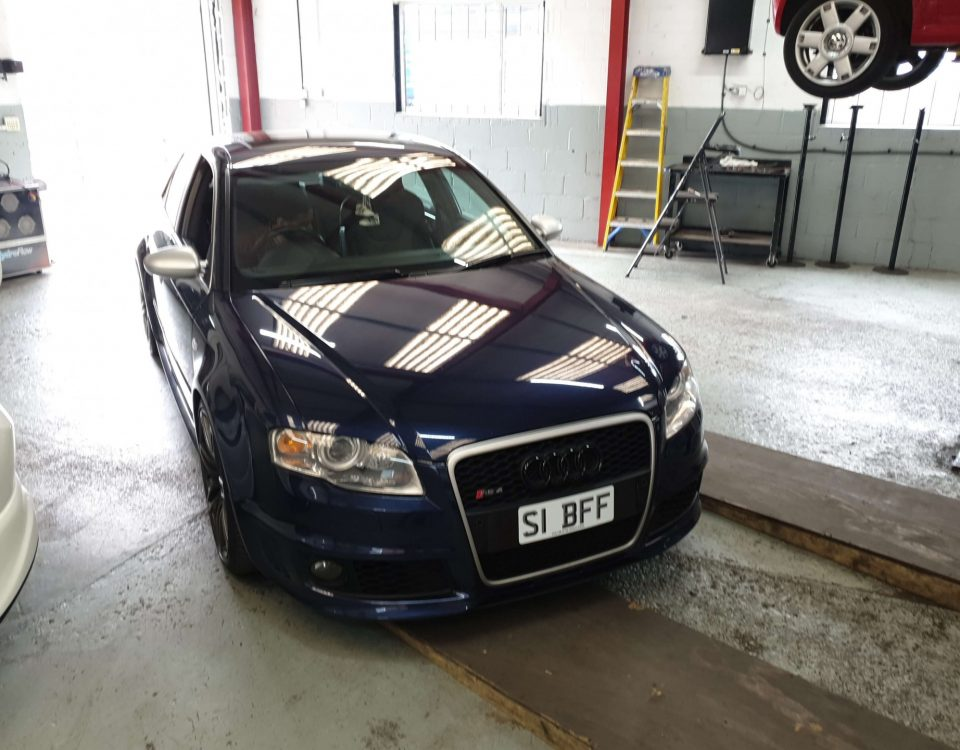 Audi RS4 Carbon Cleaning
