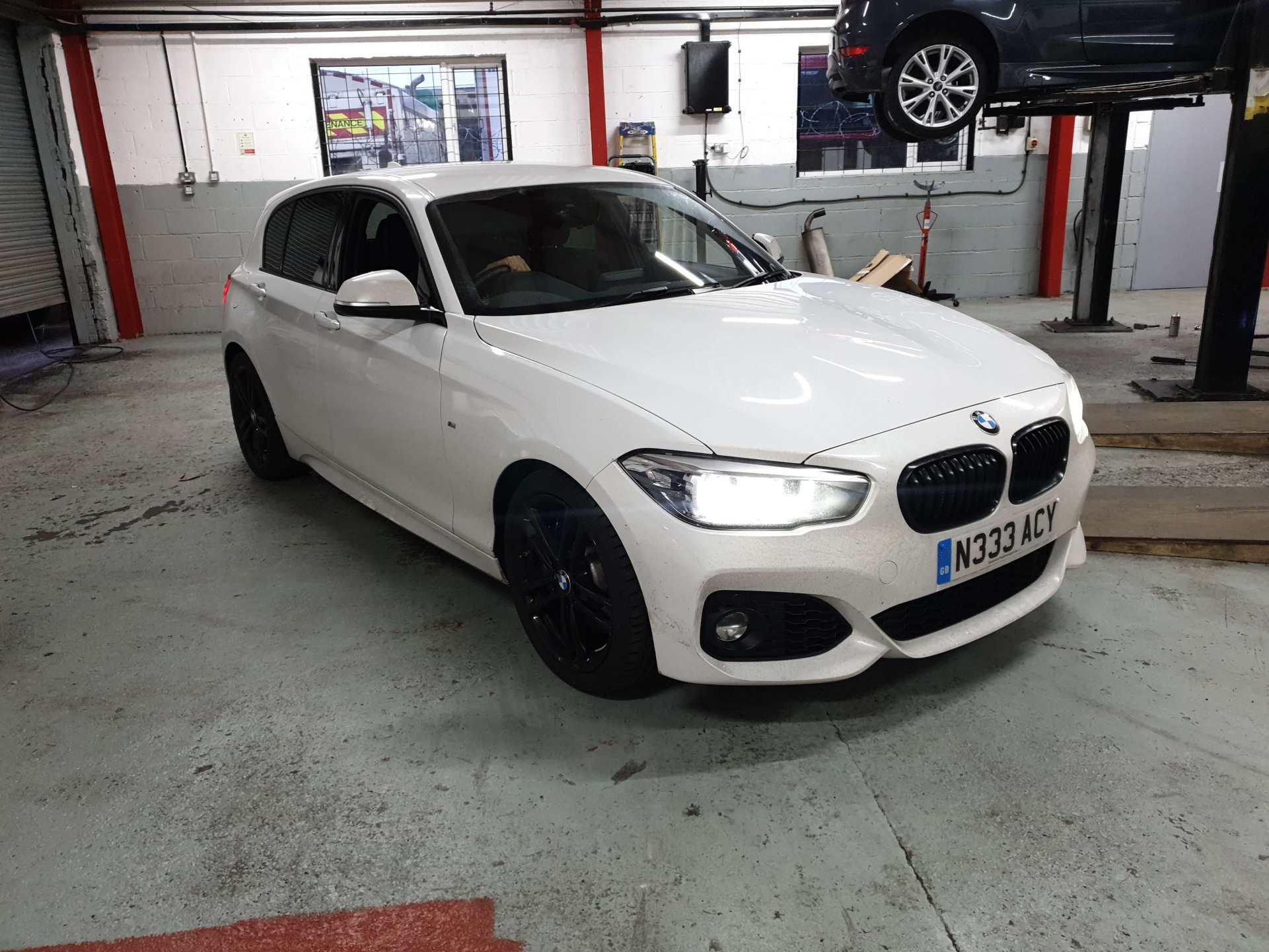 BMW 1 SERIES Carbon Clean