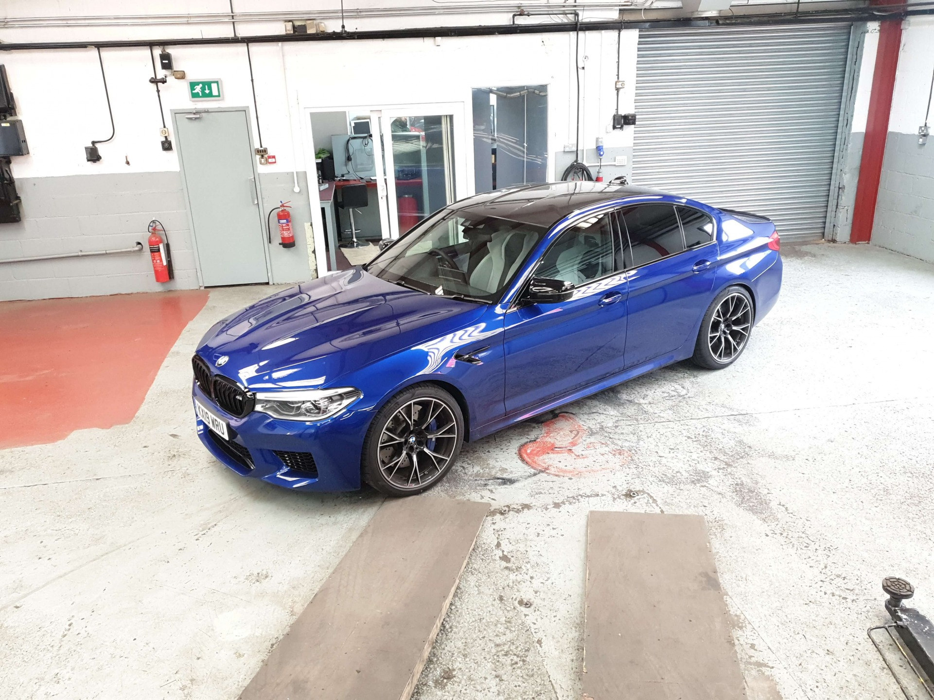 Carbon Cleaning BMW M5 G30
